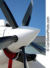 Engine propeller aircraft and five lobes