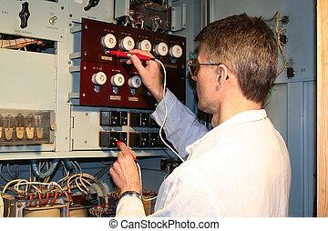 engineer does measurements