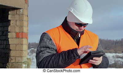 Engineer with tablet PC