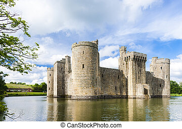 england, ost sussex, bodiam schloß