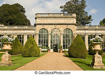 English country garden - A classic English orangery in ...