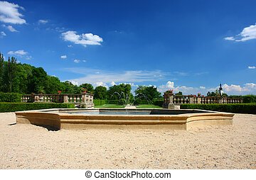 english-french, jardin fontaine