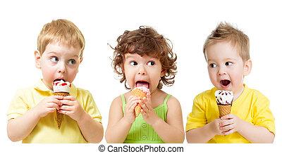 engraçado, crianças comendo, isolado, gelo, meninos, cone, menina, branca, creme