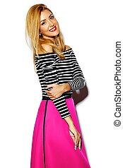 engraçado, loucos, glamor, elegante, excitado, sorrindo, bonito, loura, mulher jovem, modelo, em, cor-de-rosa, hipster, roupas, em, estúdio