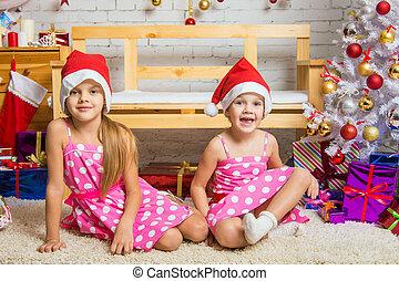 engraçado, menina, gnomo, sentando, ligado, um, tapete, em, um, natal, armando