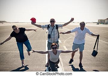 ENGRAÇADO, pessoas, pista decolagem, aeroporto, avião, imitar