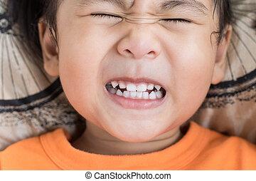 engraçado, toothy, cima, rosto, atuando, fim, crianças