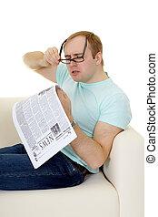 engraçado, trabalho, anúncio, jornal, leitura, homem