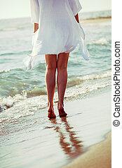 enjoy by the sea