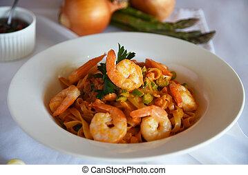 Enjoyable shrimp pasta with tomato