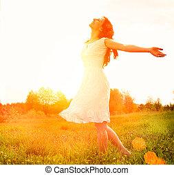 enjoyment., szabad, vidám woman, élvez, nature., leány,...