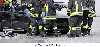 enlever, pompiers, épave, engagé, voiture