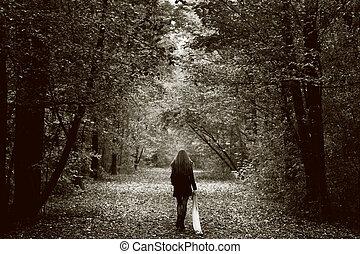 enlige, sørgelig kvinde, på, den, træ, vej