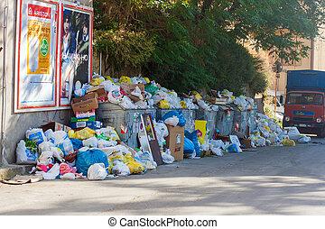 enna, 22, italie, juin, déchargé, -, enna, juin, 22:, déchets, bord route, 2009