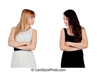 enojado, adolescente, hermanas