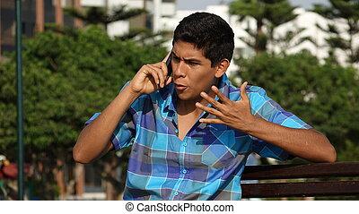 enojado, adolescente niño, llamada telefónica
