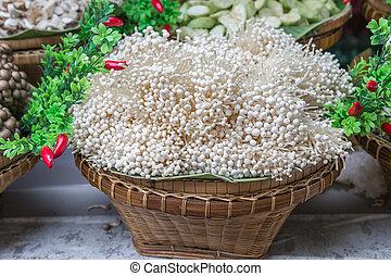 enoki, cogumelos, (flammulina, velutipes), ligado, cesta, decoração