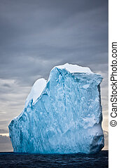 enorme, antartide, iceberg
