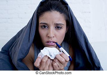 enrhume, gripe, maison, divan, séduisant, hispanique, grippe, maladie, symptôme, femme, mensonge, jeune