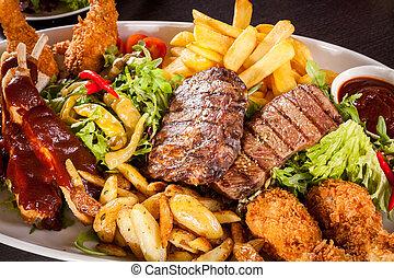ensalada, fríe, francés, mezclado, carnes, fuente