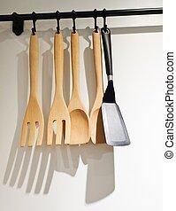 Ensemble ustensiles cuill re spatule poign es noir for Spatule plastique cuisine
