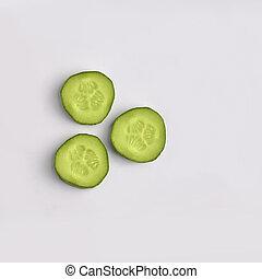 ensemble, tranches, vert, vegan, arrière-plan., concombre, frais, studio, blanc