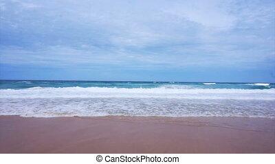 ensoleillé, vague, sans, plage, gens