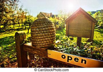 enter to bee farm - seasonal bee farm