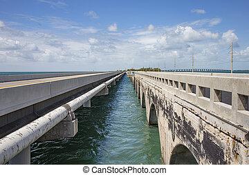entering the seven mile bridge
