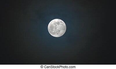 entiers, contre, nuit, ciel nuageux, lune