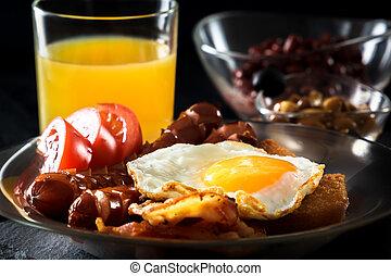 entiers, lard, saucisse, jus, œufs brouillés, anglaise, haricots, petit déjeuner, tomates