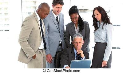 entourer, équipe, directeur, leur, business, sérieux