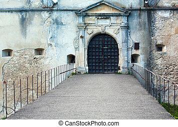 entrée, soir, (ukraine)., svirzh, portail, château, vue