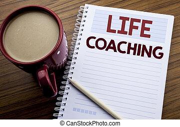 entraîneur, aide, texte, vie, concept, personnel, écriture, note, écrit, livre, coaching., café, business, projection, bloc-notes, main, fond, inspiration, bois, sous-titre, papier, pen.
