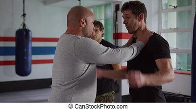 entraîneur, athlètes, conseil, gymnase, boxe, donner, deux, ...