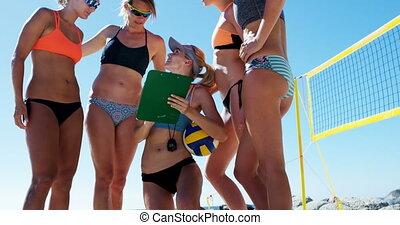 entraîneur, femme, volley-ball, dialoguer, 4k, joueurs
