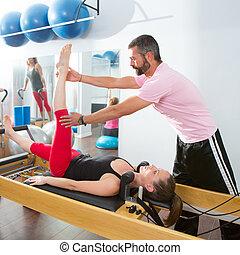 entraîneur, pilates, aérobie, cadillac, personnel, homme