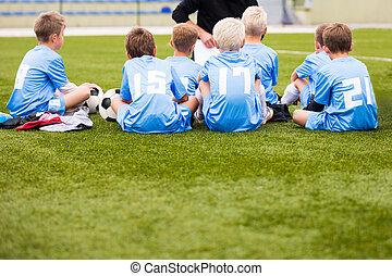 entraîneur, séance, football, garçons, grass., vert, children., allumette football