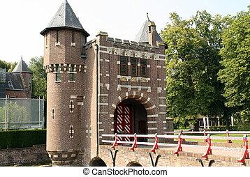 Entrance and bridge