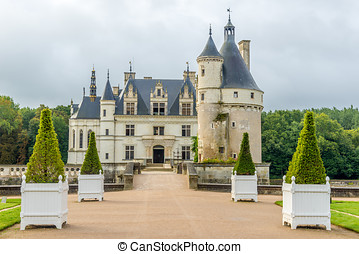 Entrance to chateau Chenonceau