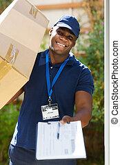 entrega, proceso de llevar, paquete, hombre africano