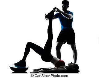entrenador, bosu, ejercitar, mujer, abdominals, hombre