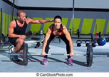 entrenador, mujer, barra, peso, personal, gimnasio,...