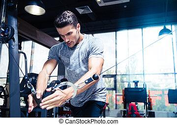 entrenamiento, gimnasio, hombre