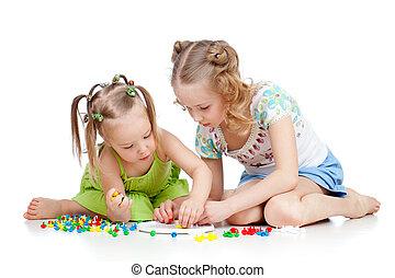 entrenamiento, juguete, recoger, encima, hermana, joven, anciano, blanco, uno, mosaico