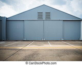 entrepôt, doors., fermé