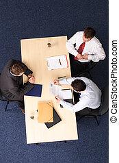 entretien travail, -, trois, hommes affaires, réunion