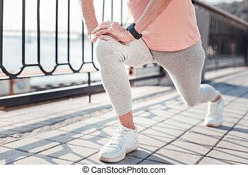 envelhecido, atlético, mulher, treinamento, e, fazendo, exercises.