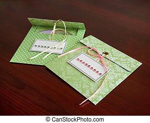 Envelopes for disks