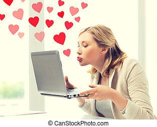 envoi, ordinateur portable, femme, baisers, informatique